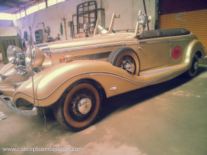 Vintage Car in Metalic Gold Color